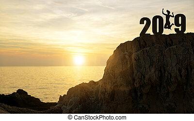 niña, saltos, arriba, mientras, celebrar, año nuevo, 2019.