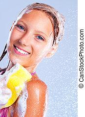 niña, shower., feliz, joven, el bañarse, toma