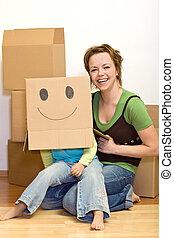 niña, y, mujer, tener diversión, mudanza, a, un, nuevo hogar