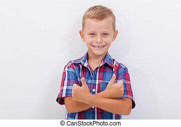 niño, actuación, arriba, pulgares, retrato, gesto, feliz