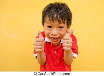 niño, actuación, arriba, pulgares, sonrisa, feliz