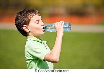 niño, agua potable