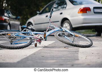 niño, bicicleta, en, un, peatón, líneas, después, peligro, incidente, con, un, coche