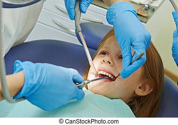niño, cuidado dental