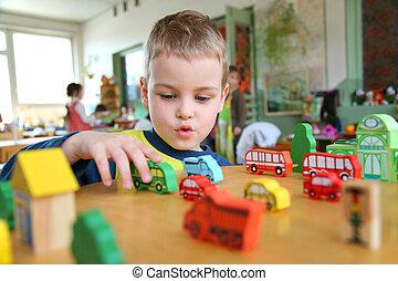 niño, en, jardín de la infancia