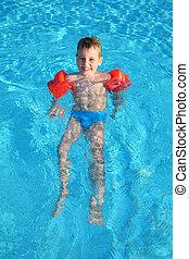 niño, en, piscina