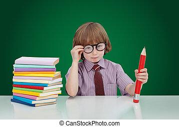 niño, genio, con, libros, y, grande, lápiz