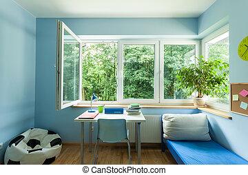 niño, habitación, con, ventana abierta