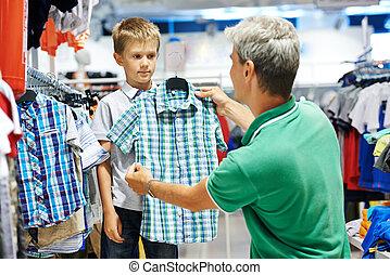 niño, hombre, compras, ropa