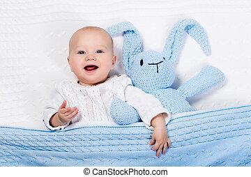 niño, juguete, Cama, juego, bebé, conejito