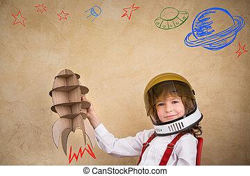 niño, juguete, juego, cohete, cartón