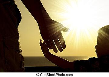 niño, padre, asideros, mano, silueta