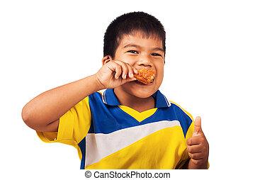 niño pequeño, comida, pollo frito, aislar, plano de fondo