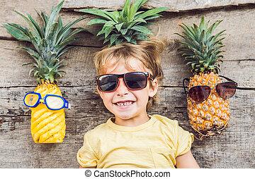 niño, piñas, piña, vacaciones