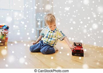niño, poco, automóvil de juguete, bebé, hogar, juego