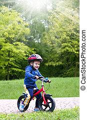 niño, poco, bicicleta que cabalga