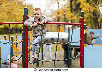 niño, poco, patio de recreo