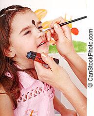 niño, preschooler, con, cara, painting.