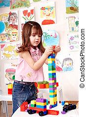 niño, preschooler, juego, construcción, set.