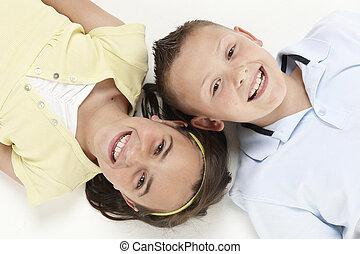 niño y niña