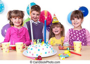 niños, celebrar, fiesta de cumpleaños