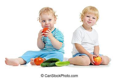 niños comer, sano, vegetales, dos, alimento, fruits, feliz