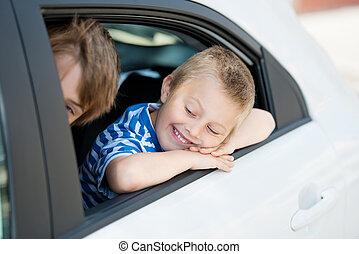 niños, en coche