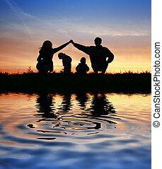 niños, en, padres, casa, en, sky., agua