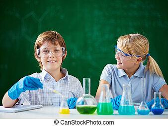 niños, en, química, lección