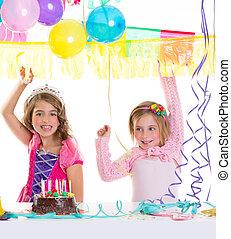 niños, feliz cumpleaños, fiesta, niñas, con, globos