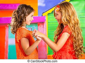 niños, firends, niñas, en, vacaciones, en, tropical, colorido, casa