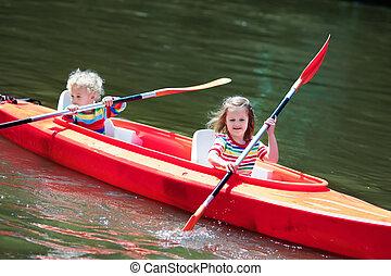 niños, kayaking, en, deporte verano, campo
