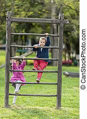 niños, patio de recreo, juego