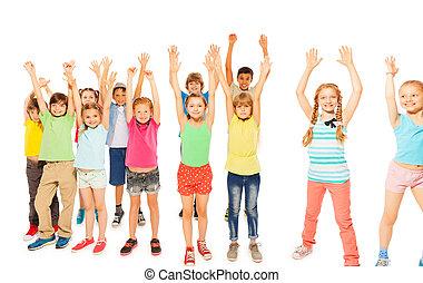 niños, subida, niñas, juntos, niños, estante, Manos