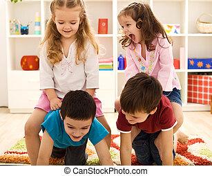 niños, tener diversión, en, su, habitación