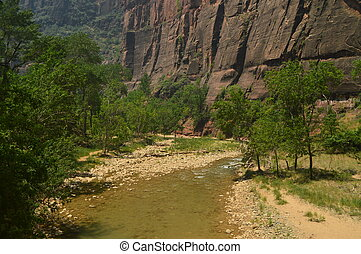 Nice Desfuladero With A Sinuous River Full Of Water Pools Where You Can Take A Good Bath In The Park Of Zion. Geology Travel Holidays June 25, 2017. Zion Park. Springdale. Utah. USA. EEUU.