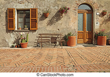 nice entrance to the tuscan house