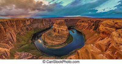 Nice Image of Horseshoe Bend - Amazing Sunset Vista of...