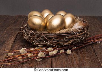 nid, à, doré, oeufs, à, saule, sur, a, bois, arrière-plan.,...