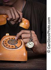 niejaki, człowiek, przytrzymując, przedimek określony przed rzeczownikami, telefon