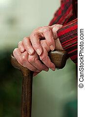 niepełnosprawny, senior, piesza pałka, z, niejaki, uśmiech