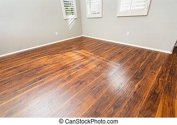 nieuw, installed, bruine , laminaat, bevloering, en, baseboards, in, thuis