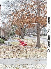 nieve, adirondack, rojo, de madera, cubierto, tejas, calle, ...
