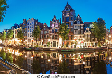 Night city view of Amsterdam canal Herengracht - Amsterdam...