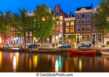 Night city view of Amsterdam canal Herengracht - Night city...