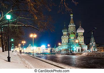 Night city view of the St. Vasiliya Blazhennogo on Red...
