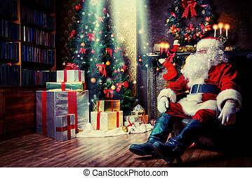 night for Christmas - Santa Claus brought gifts for ...
