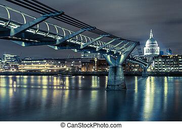 Night London millennium bridge and st pauls  catedral