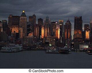 Night Lower Manhattan skyline