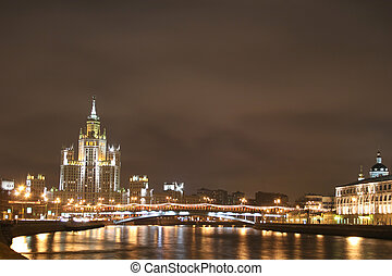 night moscow river